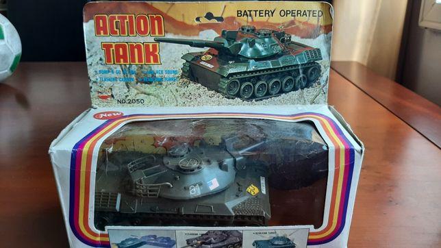 Brinquedo Action Tank com caixa original