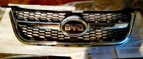 Облицовка передка радиатора кроссовера BYD с задним значом.Обмен