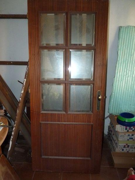 Porta de madeira 1,87 cm x 80 cm
