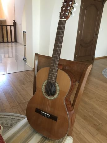 Продам гітару AMADA