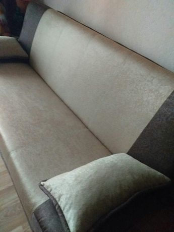 Продам новый диван.