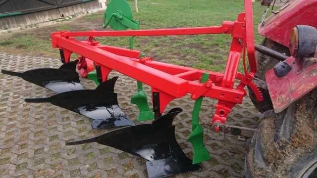 Pług rolniczy 3 skibowy