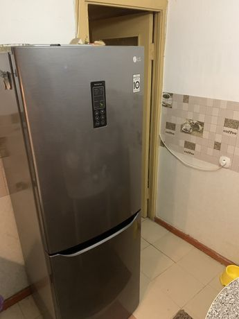 СРОЧНО продам холодильник LG