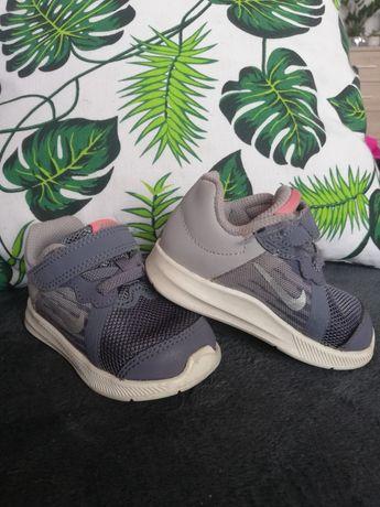 Adidaski Nike rozm. 19.5 stan b. dobry