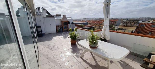 Apartamento T2 +1 com terraço Privativo, na Praia