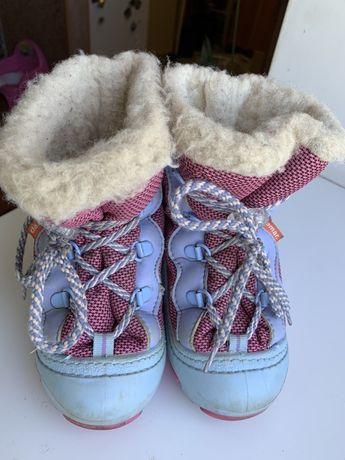 Зимние сапожки и туфельки на девочку