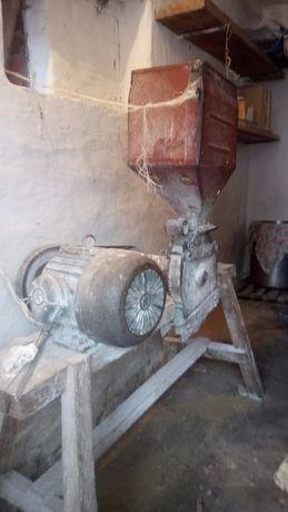 Дку зернодробилка млин мельниця