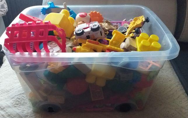 Duze pudelko z zabawkami okazja