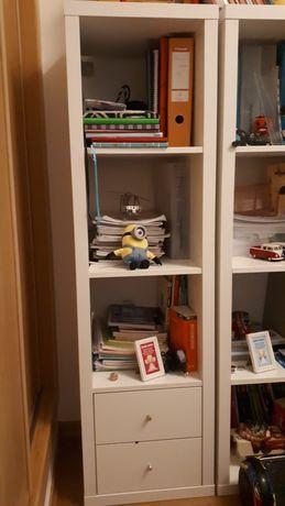 Estante Kallax Ikea c/ 2 gavetas - como nova!