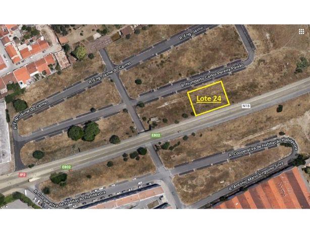 Vende-se Lote de Terreno para construção com 332,73 m2 em...