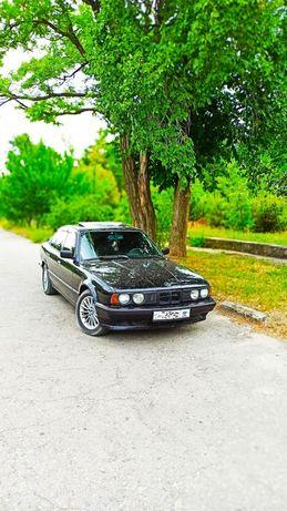 Продам авто BMW520i
