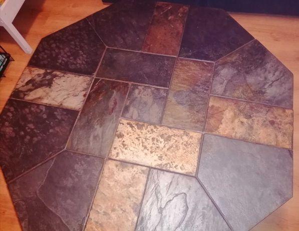 Oryginalny stół do salonu