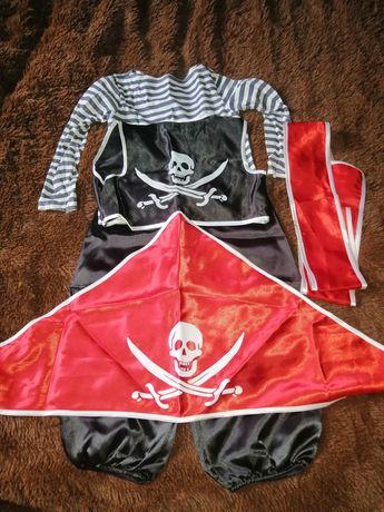 Продам костюм пирата
