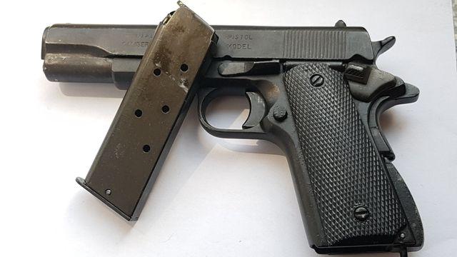 Colt 1911 replika full metal