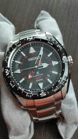 Seiko Kinetic GMT SUN 049 P1