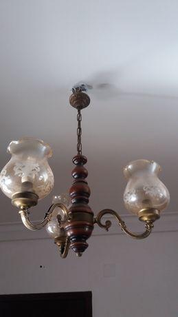 Candeeiro de 3 lâmpadas