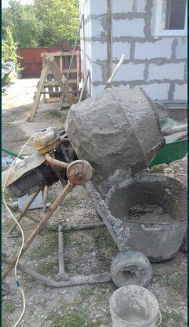 Продам бетономішалку