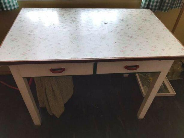 Stół drewniany biały Retro