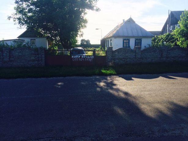 Дом в пгт. Рокитное с участком