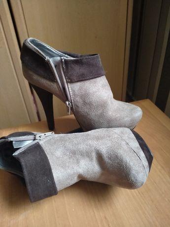 Взуття жіноче молодіжне