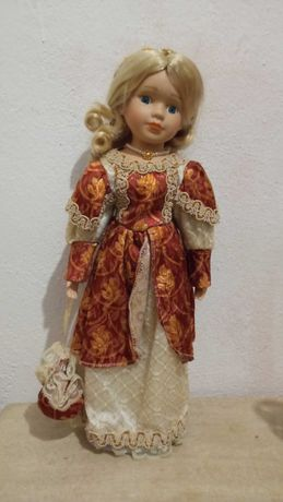 Lindíssima boneca de porcelana antiga