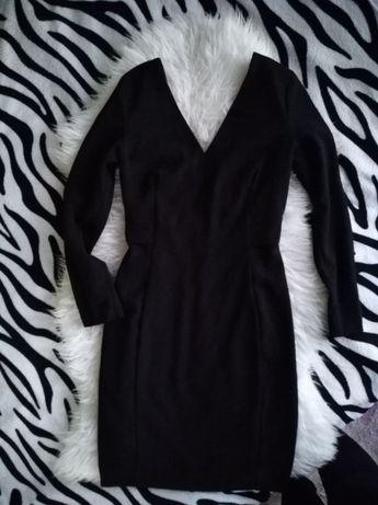 Czarna w sukienka Mango roz S