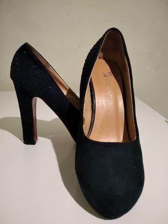 Туфлі темно-синього кольору з стразами
