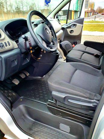 Renault Trafic 9 osobowy 2019r. 1.6 Cdi . Odstapie leasing