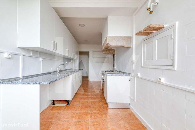 Apartamento T4 - Av. João XXI - Central - Luminoso - Varanda- Venha vi