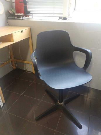 Cadeira Odger Ikea