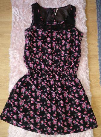 CROPP czarna sukienka w różowe kwiatki M/L