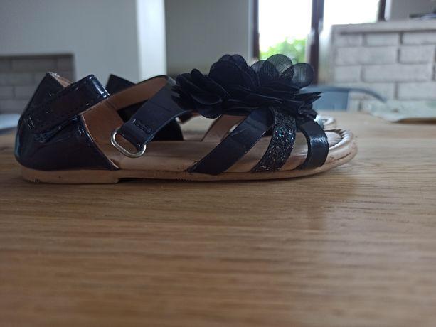 Sandałki roz. 27 HM