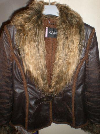 Кожаная куртка с искусственным мехом.