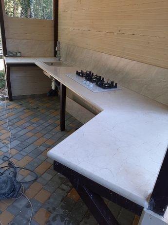 Столешницы, подоконники, ступени из мрамора и гранита.