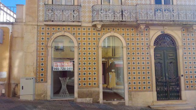 Arrenda-se Loja no Centro Histórico de Abrantes