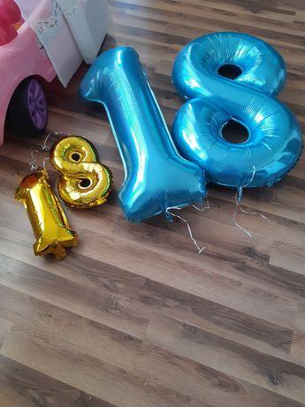 dekoracja18 dwie złote 18 dwie niebieskie