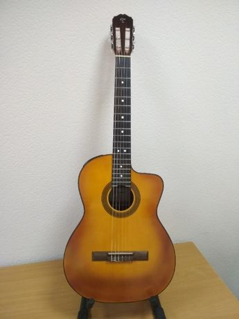 Электроакустическая гитара с нейлоновыми струнами Takamine GC1CE NAT