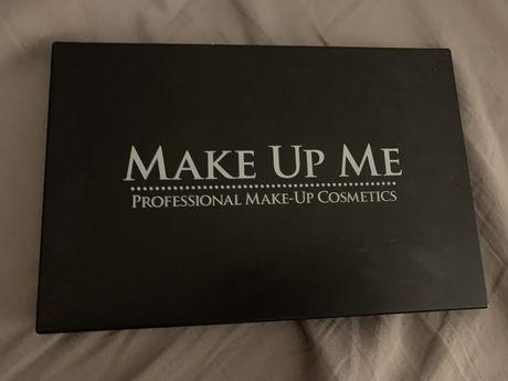 Палетка Make Up Me