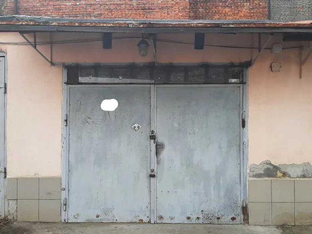 Оренда гаража для  авто  в гаражному кооперативі по вулиці Єрошенка.
