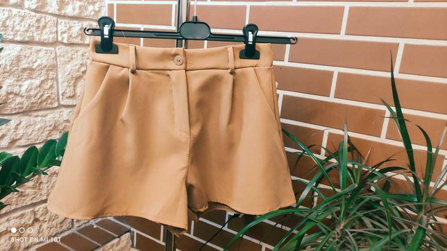 Spodenko- spódniczka  w kolorze karmelowym