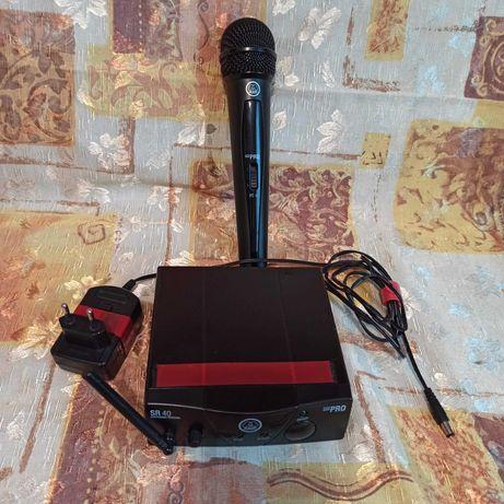 Радиомикрофон  AKG WMS40 Mini Vocal с полужестким чехлом для микрофона