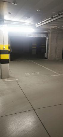Miejsce postojowe w garażu ul. Przewóz 32H