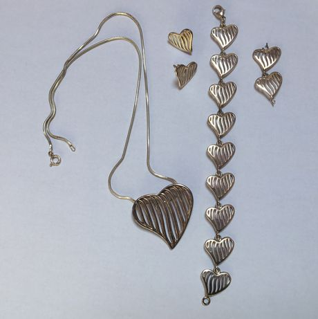 Zestaw srebrnej biżuterii serce kolczyki, naszyjnik, bransoletka