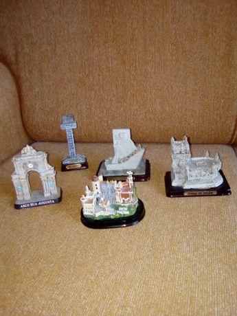 Vários monumentos em miniatura