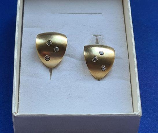 Złote kolczyki 5,75 gr.pr.333, satynowane z cyrkoniami-piękne !!