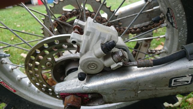 Zacisk hamulca tył Husqvarna TC TE 250 ktm i inne Brembo z uchwytem
