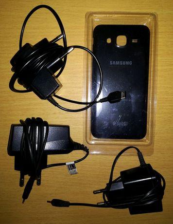 Pack 3 carregadores: 2 Nokia/1 Samsung+capa + memory card 4GB Sony