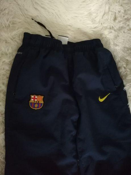 spodnie FCB NIKE 137-147, spodnie NIKE FCB 10 12 spodnie 140 146 sport