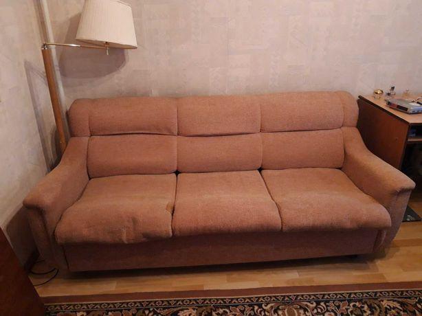 Продам рабочий диван