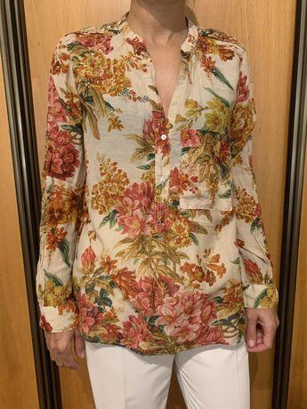 Blusa Zara com flores tam. L